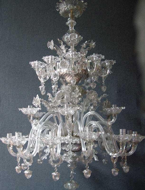 R dition et restauration de lustres anciens en verre et en cristal de roche - Grand lustre industriel ...